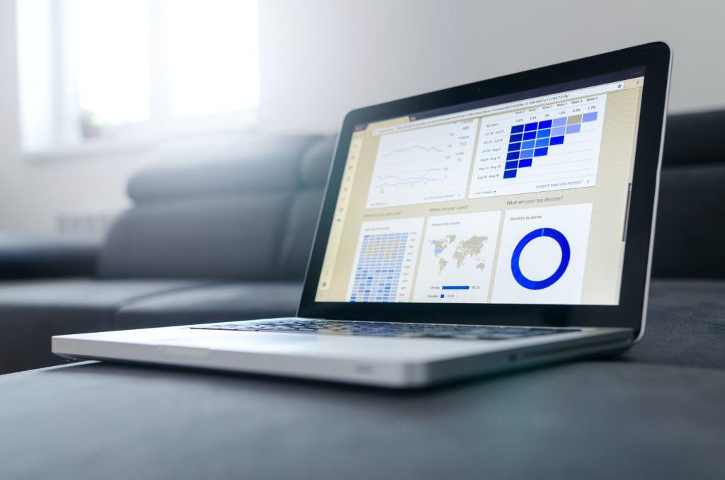 Astraga présente les 10 indicateurs à suivre en analytics.